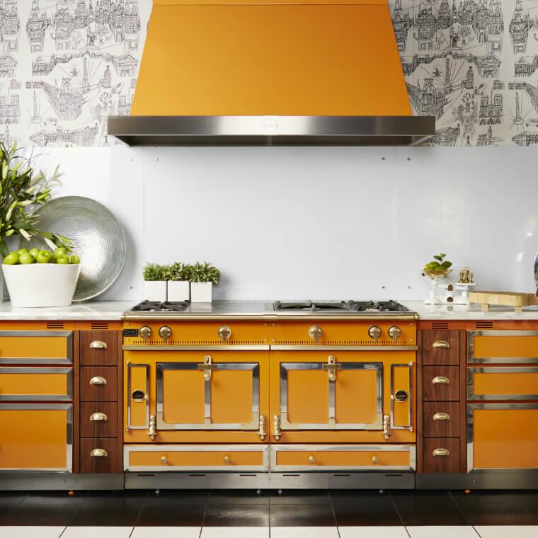 des hottes esth tiques et efficaces. Black Bedroom Furniture Sets. Home Design Ideas